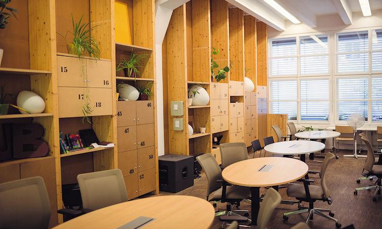 Mobiliario industrial: todo lo que necesitas en tu taller o almacén